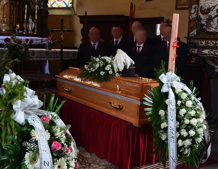 Pogrzeb ico dalej?